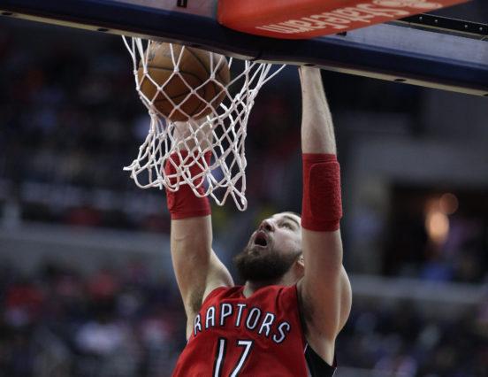 NBA: Nie ma chętnych na Valanciunasa?