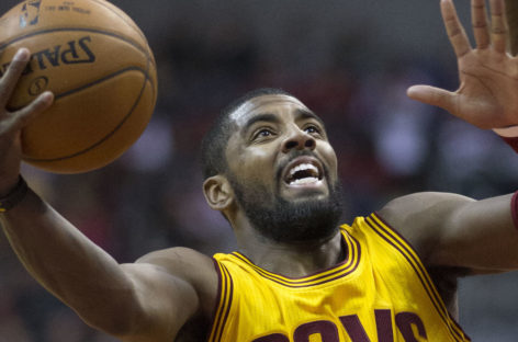 "NBA: Irving pozuje do zdjęć z ekipą ""Uncle Drew"""