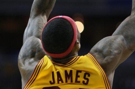 Wyniki NBA: Cavs wciąż niepokonani, niszczą Raptors w pierwszym meczu