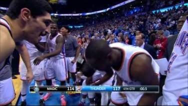 Kevin Durant za 3 na zwycięstwo!