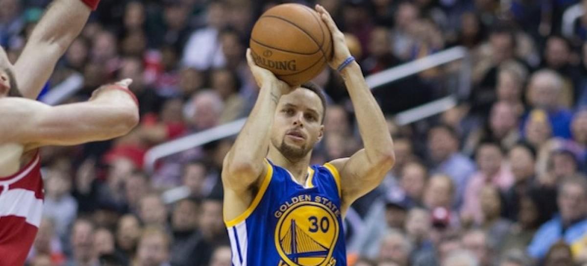 Wyniki NBA: Warriors zdemolowali całkowicie bezradnych Spurs