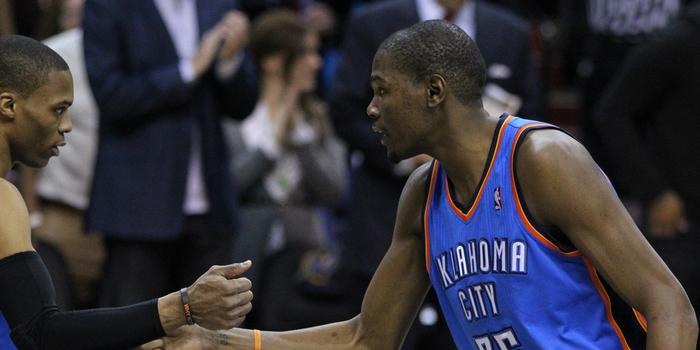 """NBA: Durant w Warriors. """"Jeśli nie możesz ich pokonać, dołącz do nich"""""""