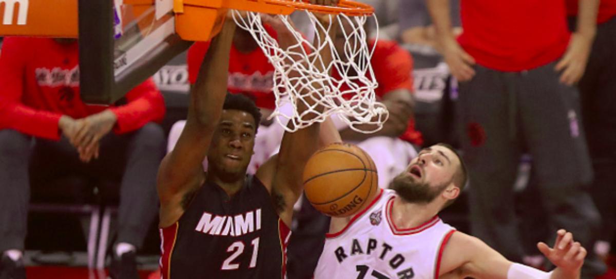 Wyniki NBA: Whiteside za mocny dla Wizards, double-double Gortata