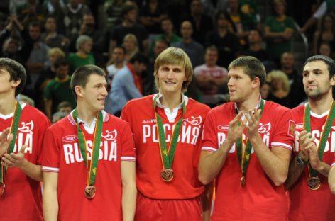 Rosja: Kirilenko zabija koszykówkę. Śmiechem
