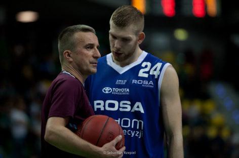 Wyniki PLK: Polpharma triumfuje w Słupsku, Rosa ulega Startowi Lublin, a Ireland prowadzi Trefl do zwycięstwa