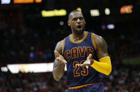 NBA: James narzeka na sędziów