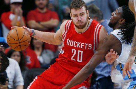 NBA: Rockets rezygnują z Motiejunasa