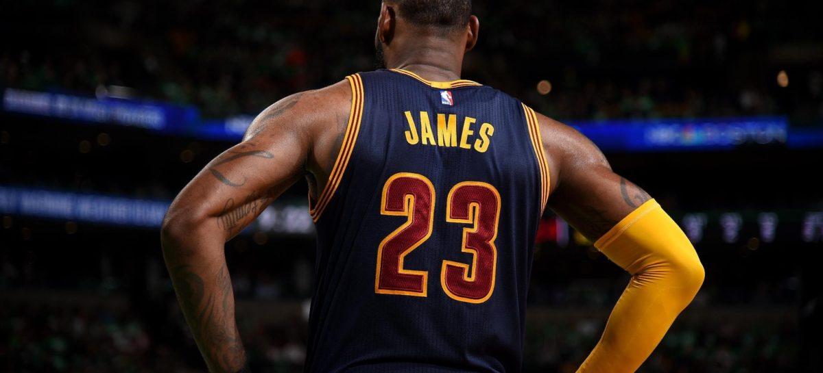 NBA: W Los Angeles marzą o Lonzo z LeBronem