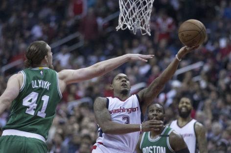 Wyniki NBA: Strzelecki pojedynek Warrena i Beala. 9 punktów i 13 zbiórek Gortata