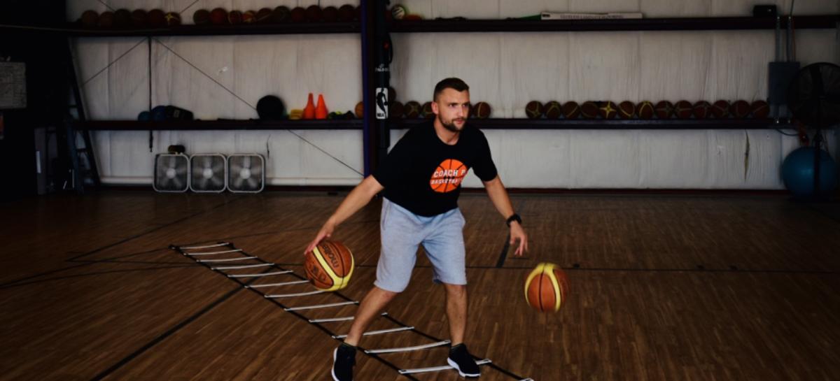 Co z nogami podczas treningu koszykówki?