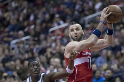 Wyniki NBA: Warriors za mocni dla Wizards, 14 minut Gortata